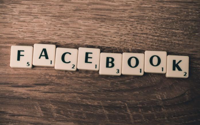 Comment facebook fait reunion